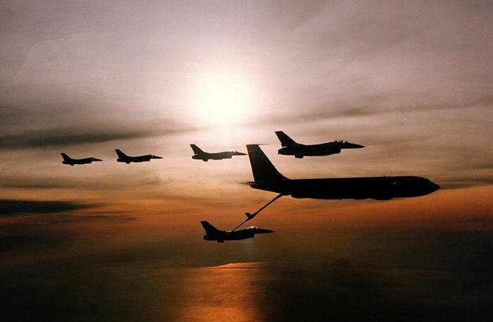 Заправка самолета в воздухе