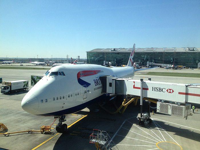 Посадка в самолет British Airways