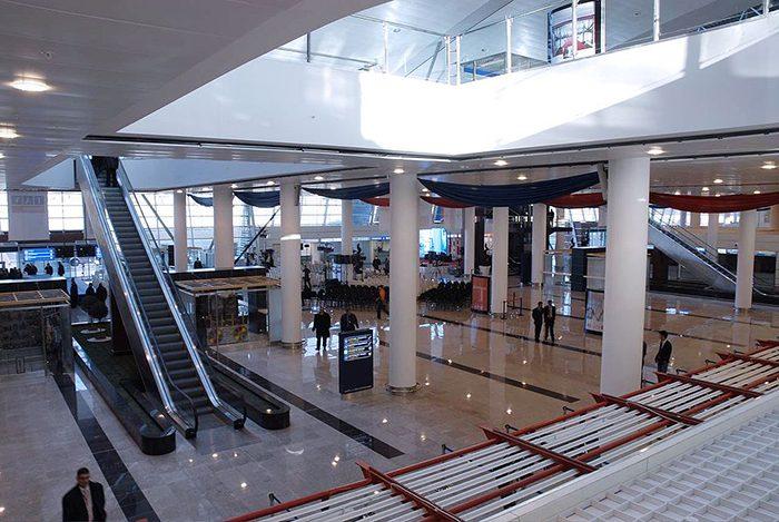 Интерьер аэропорта Тбилиси