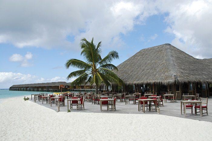 Кафе на мальдивском пляже
