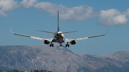 Посадка самолета на Корфу